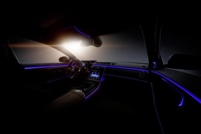 Mercedes-Benz Klasy S wprowadza ledowe oświetlenie kabiny