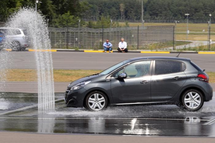 Szkolenia dla kierowców na Torze Modlin