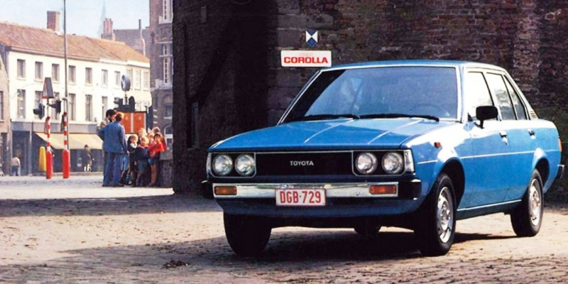 Toyota Corolla model z 1979 roku.