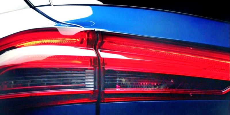 Nissan QASHQAI - lampa