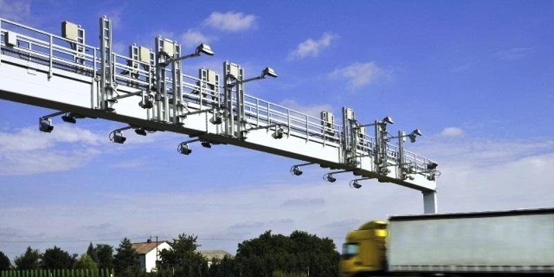 Urządzenia systemu kontroli opłat drogowych.