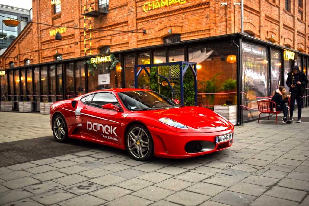 Panek i Ferrari