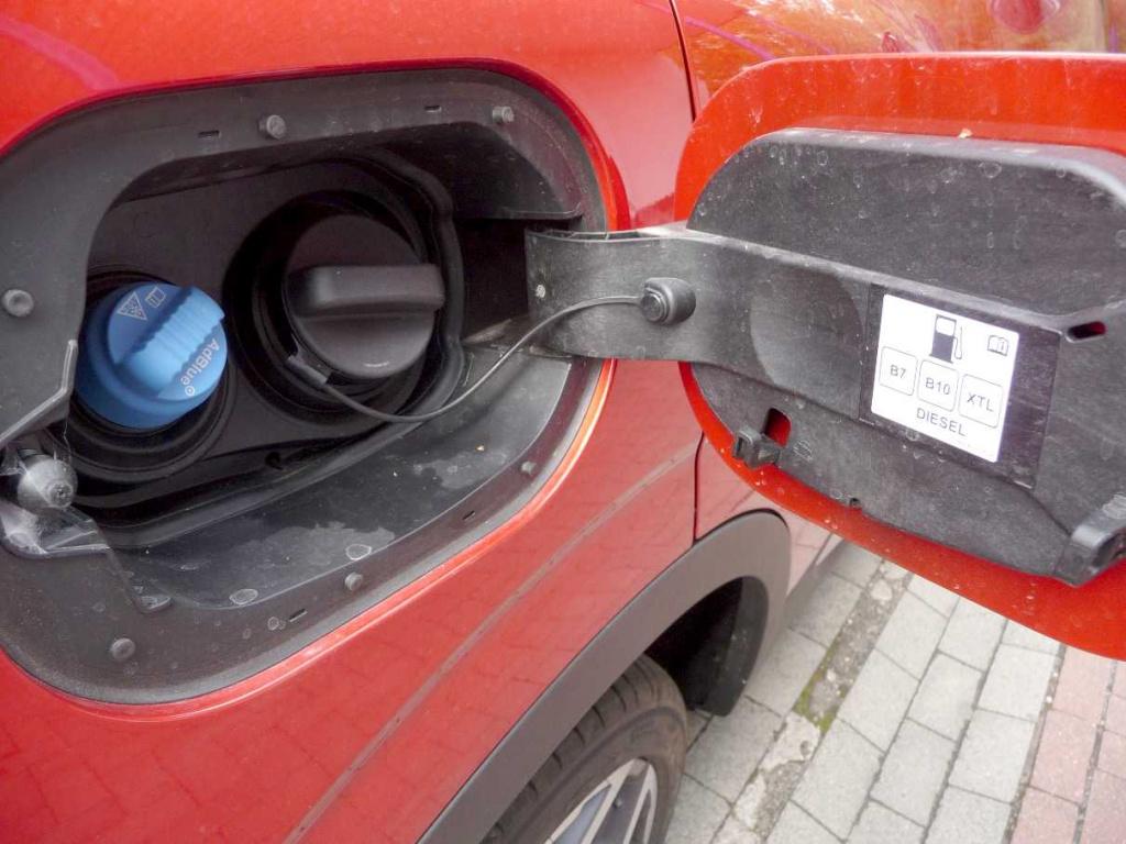 Wlew paliwa